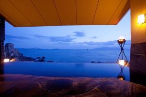 s_★岩海の湯露天風呂から小豆島を望む夕景(3月)